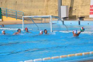 Fase di gioco della gara con l'Aci Nuoto