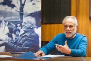 L'assessore Pino con dietro Vittorio Magazzù